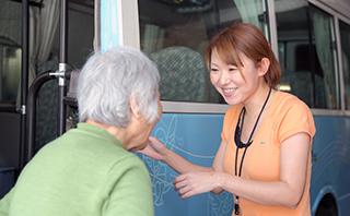 【新宿区/東長崎駅】働きながら勤務中に無料で資格を取得。デイサービススタッフの画像2