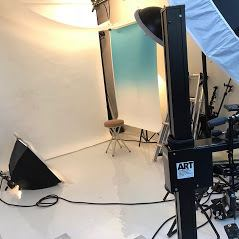 [パート]その他専門職 当社が運営する写真館スタジオブランでポートレート撮影業務を中心に、接客を含めたスタジオ運営業務を担当していただきます。写真撮影とレタッチ業務がメインですが、顧客対応や簡単な事務作業も担当範囲に含まれます。勤務地は、状況に応じて、本社スタジオと下北沢スタジオどちらの勤務もあります。(交通費全額支給)の画像2