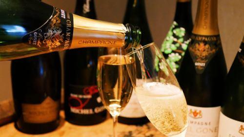 〜ホールサービススタッフ募集中〜 こだわりワインとふわふわ生ハムのお店の画像1