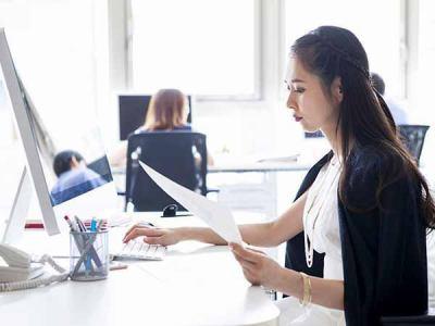 [正社員]一般事務 【未経験OK】事務(審査・発注)新宿にあるキレイなオフィス勤務