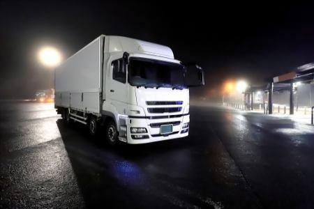 [正社員]ドライバー/運転手 【免許取得支援アリ+高収入+未経験大歓迎】大型トラック運転手!