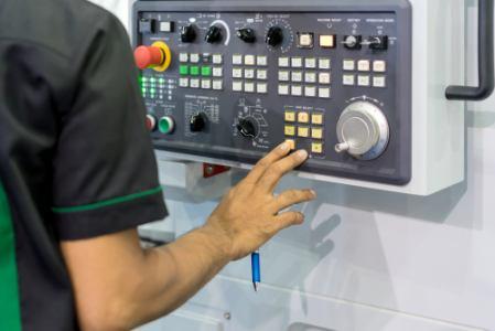 [正社員]生産管理 【正社員】工場での生産機械オペレーターAG144