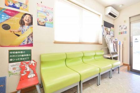 [P] (1)歯科医師 (2)歯科衛生士 (3)歯科助手 (3)は※受付・助手経験のある方優遇。フルタイム出勤できる方優遇の画像2