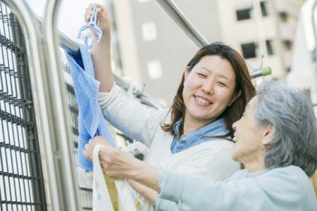 【品川区/大井町駅】働きながら勤務中に無料で資格を取得。和田行男の介護を学ぶケアホーム介護職員の画像2